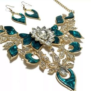 Jewelry - RHINESTONE GREEN ENAMEL STATEMENT NECKLACE SET